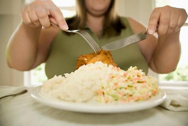 Как научиться есть меньше